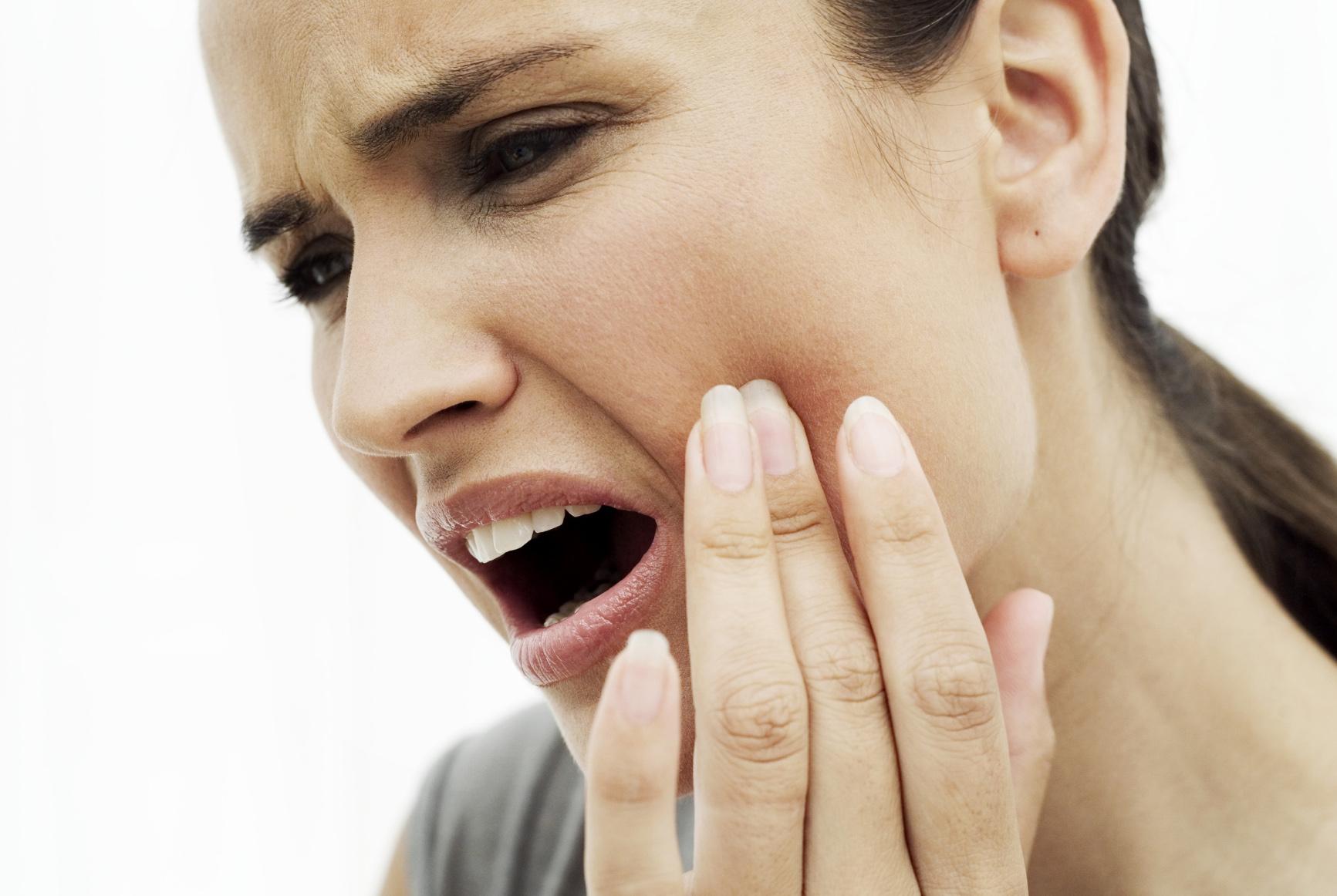Làm cách nào để hết đau răng sâu khi cấy ghép implant
