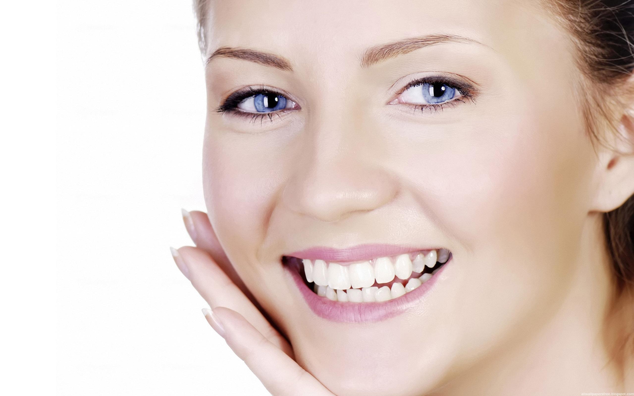 Trồng răng sứ cả hàm hết bao nhiêu tiền? 1