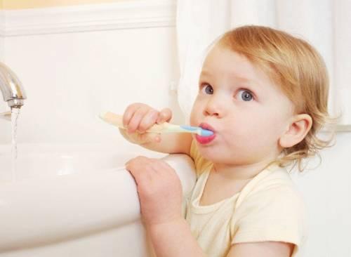 Chăm sóc răng miệng cho trẻ 2