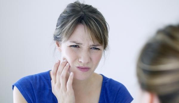 Làm răng sứ bị đau và những ảnh hưởng nghiêm trọng! 1