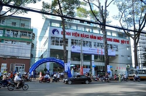 Trồng răng Implant ở đâu TỐT & nhiều Bác Sĩ Giỏi tại Hà Nội - Sài Gòn 1